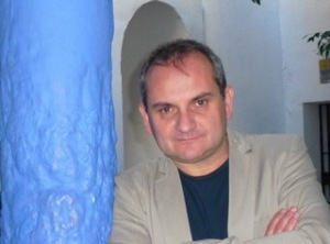 Author Mario Escobar